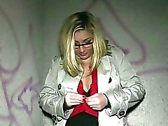 Chick in glasses fucked with stranger