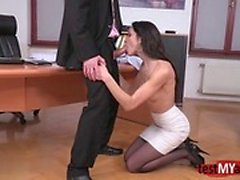 Brunette pornstar hardcore anal with facial