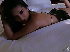 Shiny darksome latex on pornstar sweetheart Sunny Leone