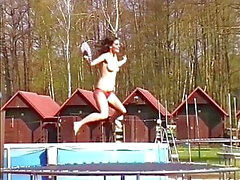 Funky Guste Topless skipping