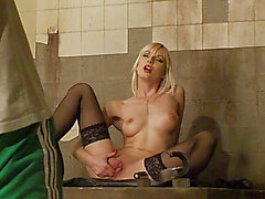 Hawt blond seductress in dark nylons likes playing with her love tunnel