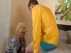 My mature skinny aunty sucks my cock beautifully