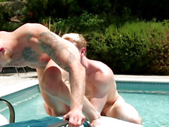 Ripped muscle assfucking constricted arse poolside