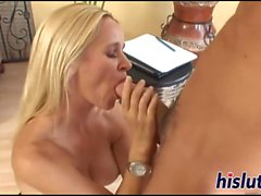 Stunning MILF bimbo has her asshole drilled
