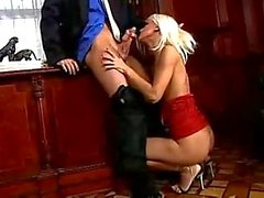 Z44B 622 Blonde Seduces her Boss
