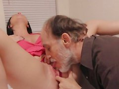 Slut Loni Evans has her snatch licked by an old man