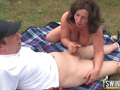 Outdoor porn with a granny