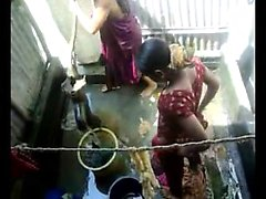 Bangla desi town women washing in Dhaka town HQ (5)