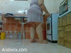 arabxnx Egyptian BBW Mother in kitchen Hidden Cam