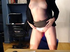 amateur kemplywishes fingering herself on live webcam