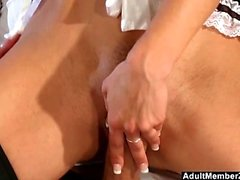 Hot Maid Offers Pussy For Lunch