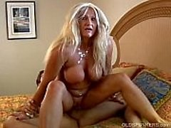 Kinky old spunker loves to get get her asshole rimmed