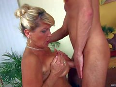 Big titted mature woman Berna gets her hairy cunt fucked