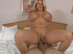 Summer Sin bounces her shaven pussy on this hard dick
