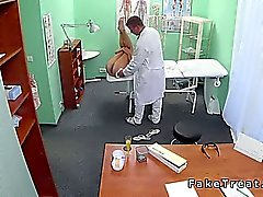 Doctor helps patient to get pregnant in fake hospital