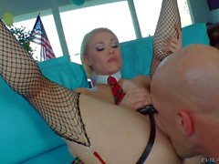 Blonde with strapon Ash Hollywood gets her twat tongue fucked