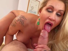 Blonde MILF with tattoos Ryan Conner sucking dick pov