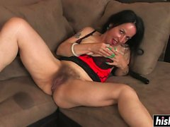 Kinky Nina knows how to use a toy