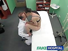 FakeHospital Patient wants her wet pussy inspected