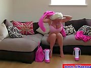 Sex casting amateur british plays with her pussy