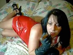 nasty mommie smoking in gloves
