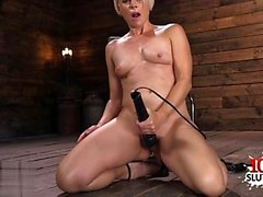 Sexy pornstar dildo with cumshot