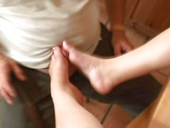 Melissa Julianna tosses off this dick with her feet