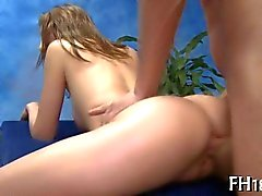 Tempting teen Chick screws after a massage