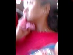 Sleeping Aunty Boobshow yellow blouse in public delhi bus