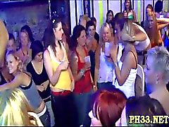Yong girls in club are happy to fuck