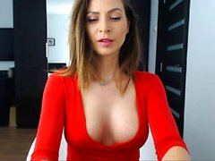 Webcam Babe Doing Entertaining Solo