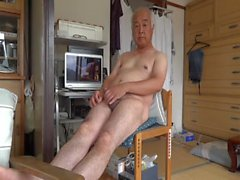 Japanese old man jerk off