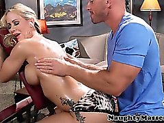 Milf beauty Simone Sonay sucks a dick