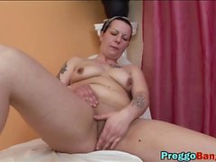 Pregnant amateur babes lesbian licking pussies