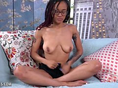 Julie Kay plays with her clit and cums