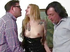 Reife Swinger - Slutty amateur German swinger in hot hardcore MMF threesome