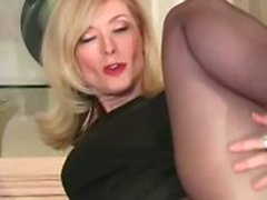 Cougar MILF Nina Hartley wants cum