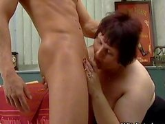 Fat mature whore goes crazy sucking