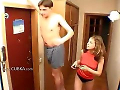 Amateurs couple handjob at corridor