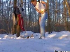 Pig tailed gal fingers snatch in the snowy outdoors