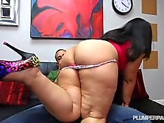 Big Booty Latina Driving Instructor Fucks Hung Stud Student