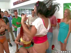 Kelly Divine And other Porn stars rock the party
