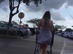 Upskirt 18 woman at supermarket