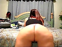 Hot Girl Shaking Her Phat Ass in a Thong AL84