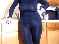 Spandex Angel - Shiny camel toe tease