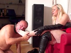 Footladies order slaves to lick their feet