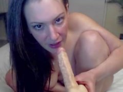 Flexible raven Joy with pink big meaty pussy lips