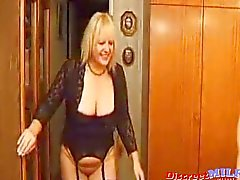 MILF GROUP Older Swingers Exchanging Fluids