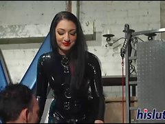 Raunchy dominatrix has fun with her slave