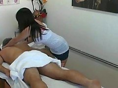 Thai masseuse fucks client and makes him cum